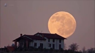 Supermoon proves curved light on a flat earth