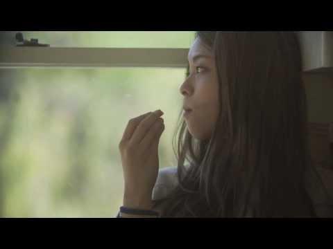 片平里菜 女の子は泣かない MV