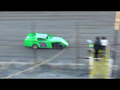 Desert Thunder Raceway 305/I.M.C.A Hobby Stock Heat Race 4/13/18
