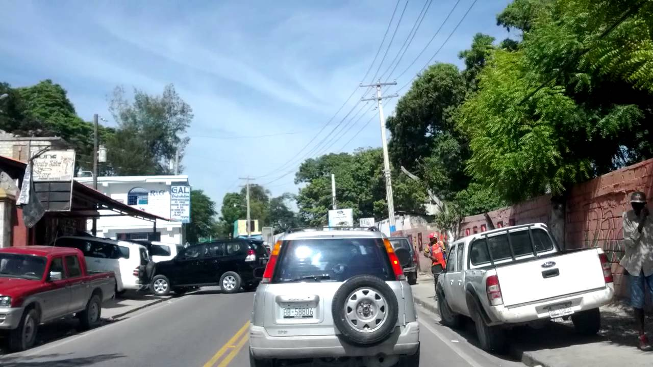 Port au prince haiti canape vert youtube for Canape vert haiti