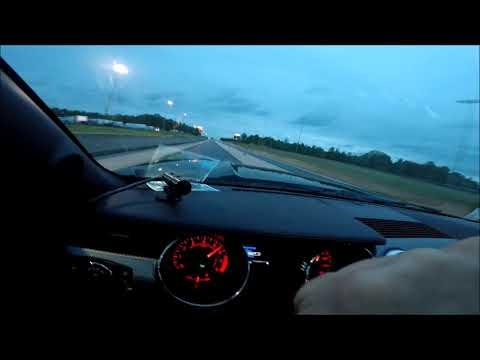 Holley Sniper shift light in action 2016 Mustang GT