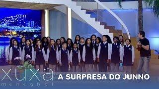 Junno comanda surpresa de aniversário para Xuxa