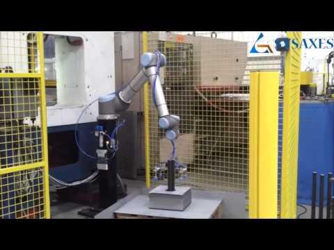 Déchargement presse robot UR10
