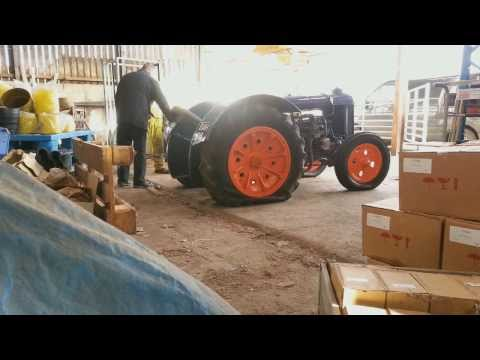 Changing Tractor Tyres - Fordson N