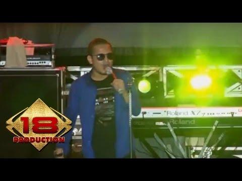 Tipe-X - Saat Saat Menyebalkan   (Live Konser Cirebon 1 November 2014)