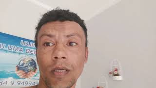 Pedreiro maluco manda recado pra Zezé de Camargo.