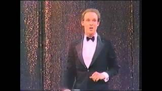 Майкл Девис (комик-жонглер) озвучил Кузьма!