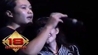 Video Alam Feat Vetty Vera - Malam Terkhir   (Live Konser Bojonegoro 7 Mei 2006) download MP3, 3GP, MP4, WEBM, AVI, FLV Juli 2018