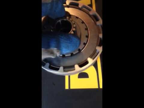 110cc automatic clutch spins one way only problem