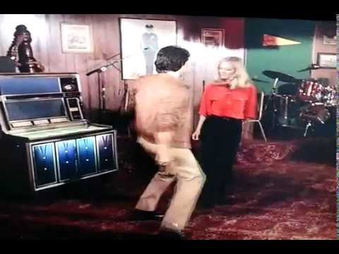 Adrian Zmed - T.J HOOKER (ridiculous dance sequence)