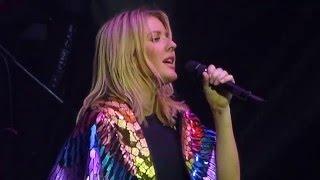 Ellie Goulding - Love me like you do - Live Paris 2016