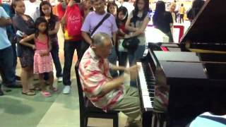 Unexpected piano concert- Paper Roses by Bong Infante