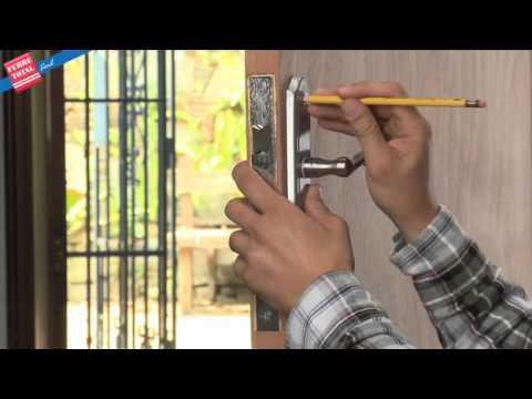 Ferretotal c mo instalar una cerradura de embutir con for Como poner una puerta de madera