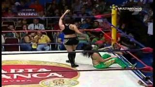 Jennifer Blake vs Lady Puma vs La Hiedra (21-Oct-2012)