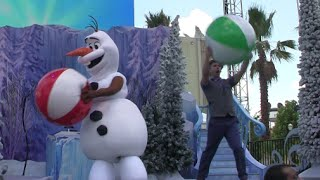 New Olaf's Summer Cool Down stage show at Walt Disney World during Frozen Summer Fun