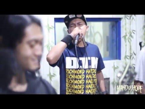 "Hand Of Hope - Tangan Harapan ""Live at Studio"" Official Video"