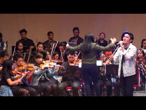10 Roman Picisan (Dewa 19 Cover) By TRUST Orchestra Feat  Harvey Christopher @Rockin'stra2018