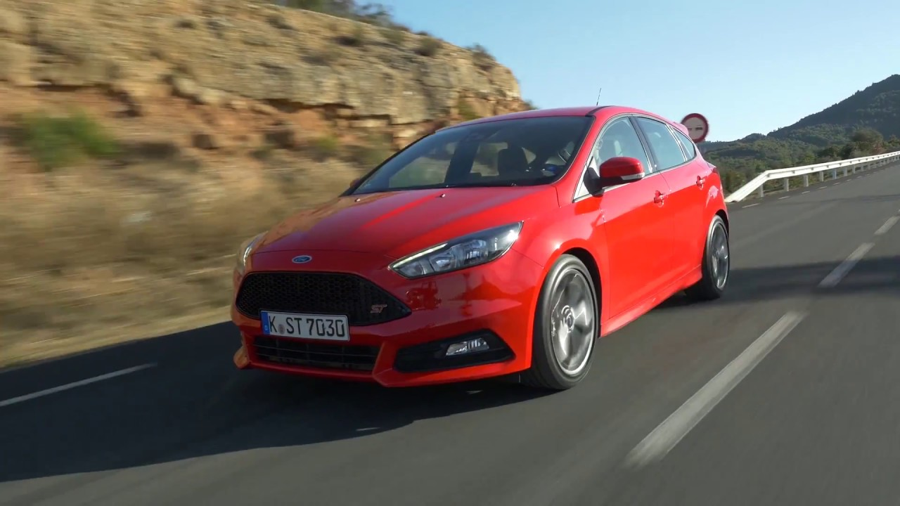 2018 Ford Focus ST Driving Video in Red  AutoMotoTV  YouTube
