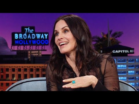 Courteney Cox Talks About Losing Her Virginity at 21