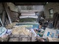 Abandoned Old Barn With A Rover 3500 V8 & Volkswagen Caddy - British Barn Find (Urban Exploration)