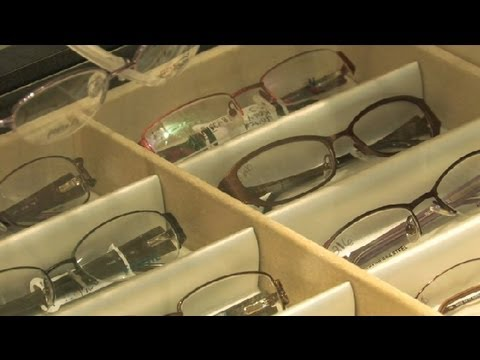 How to Tell the Difference Between a Polycarbonate Lens vs. Glass Eyeglass M... : Eyeglasses Basics