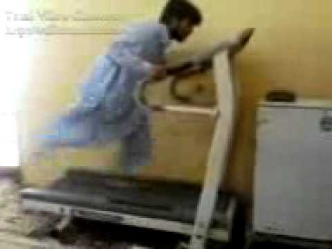 Funny Pakistani On Treadmill