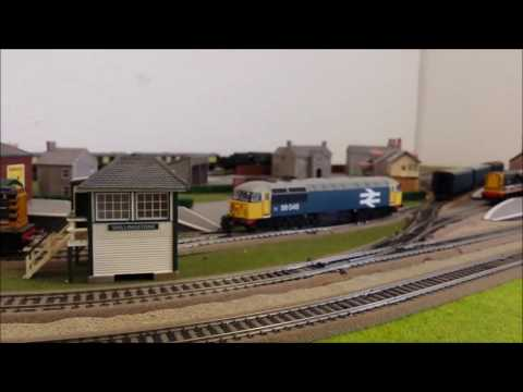Hornby R2300 Bournemouth Belle Merchant Navy Class with Pullman Coaches H33620