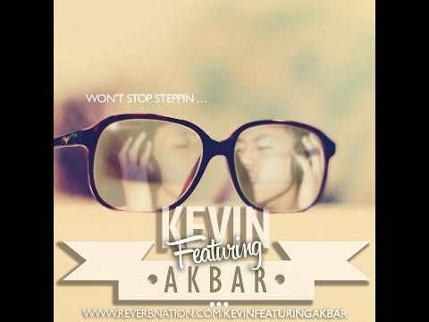 Kevin Featuring Akbar - Desember Bersamamu Lirik Video