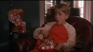 """Scena del film """"mamma ho perso l'aereo"""" in cui kevin guarda un alla tv bianco e nero intitolato """"angels with filthy souls"""". fantastico!!!"""