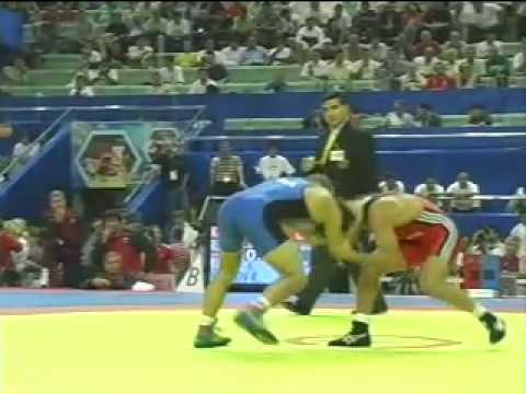 Radoslav Velikov (Bulgaria) vs. Besik Kudukhov (Russia)