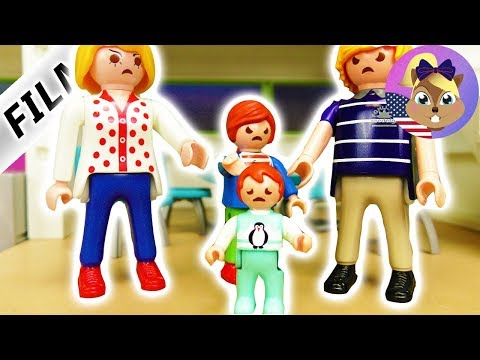 Playmobil Film English - EVERYTHING IS EMMA'S FAULT! IS SHE LEAVING THE HOUSE? Smith Family