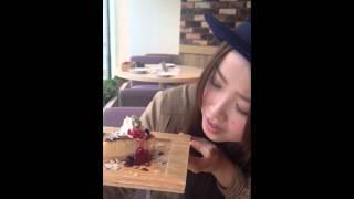 C CHANNEL Cheese tableでスイーツを食べまくり 助川真理絵 助川まりえ 動画 22