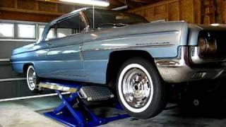 1962 Oldsmobile Dynamic 88 on Scissor Lift