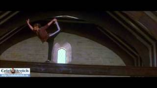 www celebstretch ru 158 Catherine Zeta Jones show her gymnastic skills