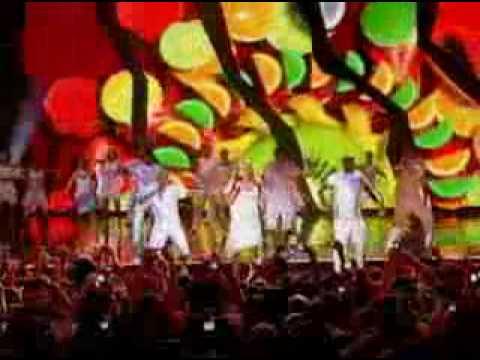 claudia-leitte-no-show-da-virada-2008/2009-beijar-na-boca