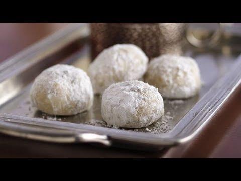 Russian Tea Cakes | Betty Crocker Recipe