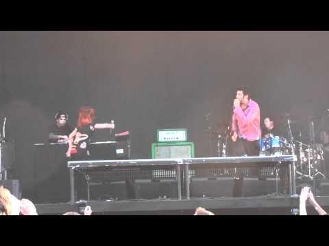 Live  Deftones ft Hayley Williams Passenger Luxembourg HD