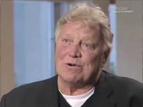 Chicago Blackhawks Bobby Hull Interview - YouTube