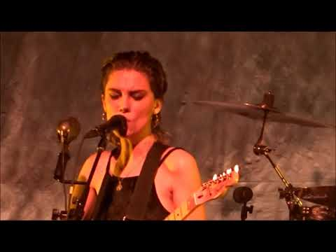 Wolf Alice - Sadboy, Live at Brooklyn Steel, NY, 4th December 2017