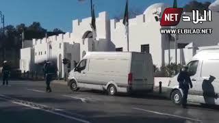 مركبات كبيرة محملة باستمارات الترشح الخاصة بالرئيس بوتفليقة تصل إلى مقر المجلس الدستوري