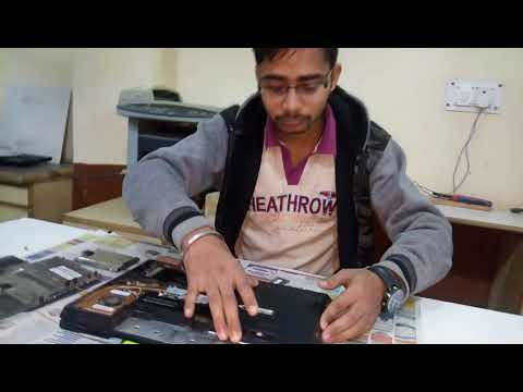 PMKVY HARDWARE STUDENT OPEN THE LAPTOP REPAIR CLASS IN MAX EDUCATION 03