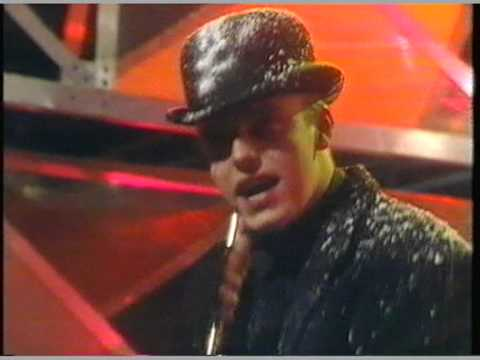 Madness- Baggy Trousers- TOTP 1981 (HQ)