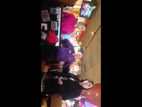 Applebee's employees give from their heart