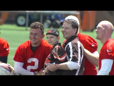 Cleveland Browns sign nineyearold Dylan Sutcliffe