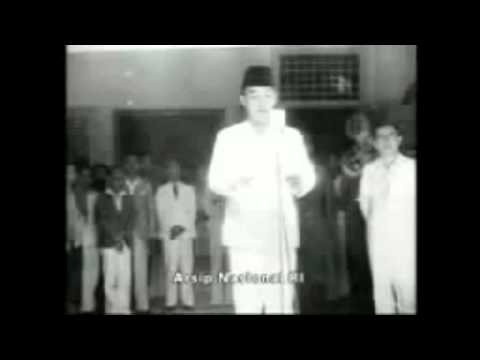Pembacaan teks proklamasi kemerdekaan Bangsa Indonesia