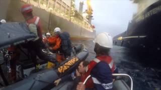Armada española embistió a activistas durante una protesta contra la exploración petrolera