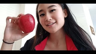 ASMR - Cronch Cronch Cronching an Apple