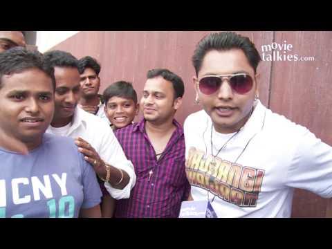 Bajrangi Bhaijaan Public Review | Watch Crazy FANS Reaction | Salman Khan, Kareena Kapoor