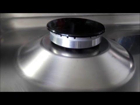Come pulire i fornelli? Il metodo naturale che li farà ...