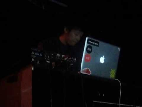 Giraffage live @ Hoxton Square Bar & Kitchen, London, 26/05/13